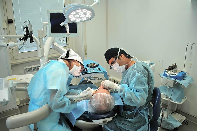 Dr. Pierluigi Pelagalli - Riunito - Studio Pelagalli - Centro Odontoiatrico Roma